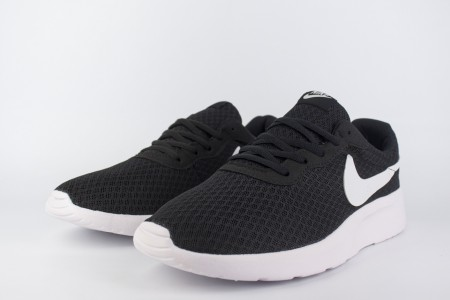 Кроссовки Nike Tanjun Black / White